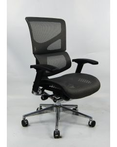 Three quarter view Red X2 Management Chair